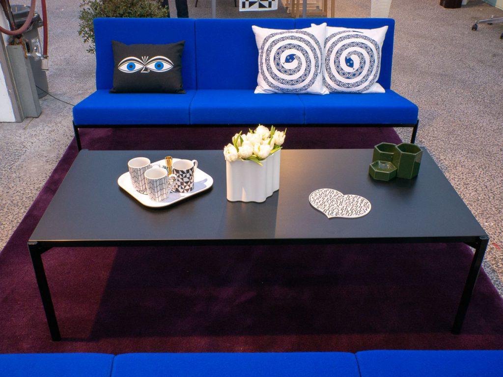 Artek sofa op ShowUP
